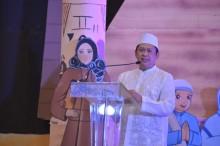 Ketua DPR Berbagi Kebahagiaan dengan Anak Yatim