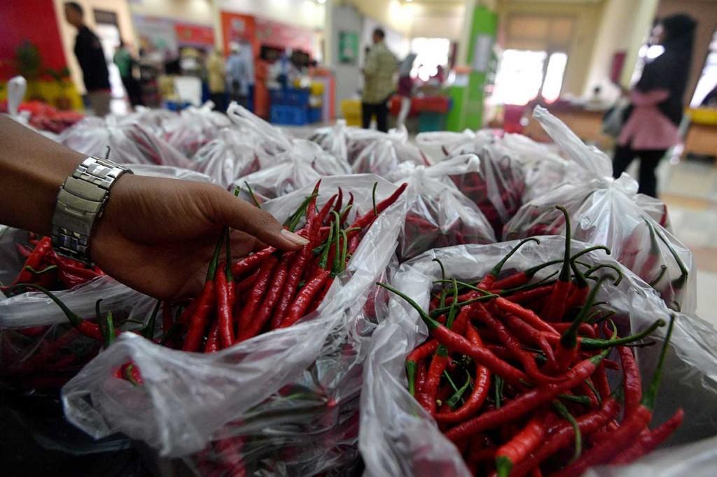 Toko Tani Indonesia Dipadati Pembeli
