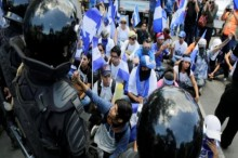 Ribuan Warga Nikaragua Desak Mundur Presiden dan Wapres