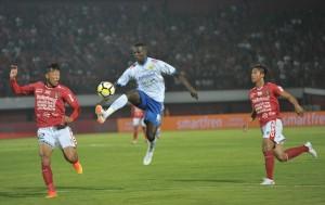 Bali United Berbagi Poin dengan Persib