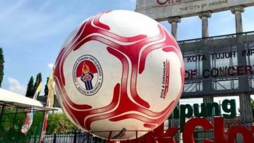 Bola besar yang dipajang di acara promosi Asian Games 2018 di