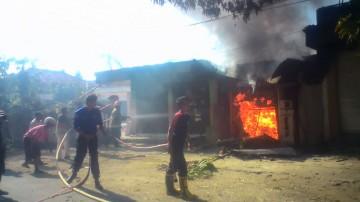 kebakaran toko
