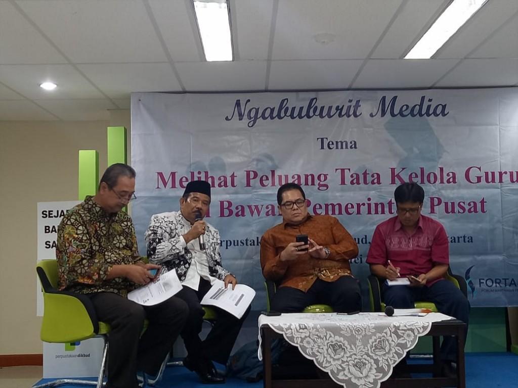 Diskusi pendidikan bertema