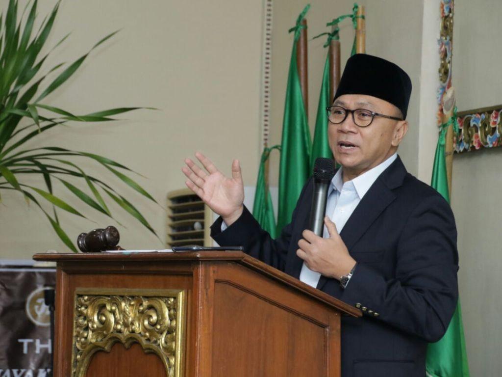 Ketua MPR Zulkifli Hasan memberikan pidato kebangsaan dalam pembukaan Rakernas kedua Al Jamiyyatul Washliyyah, di Hotel Jayakarta, Yogyakarta, Jumat, 4 Juni. (Foto: MI/Furqon U Himawan).