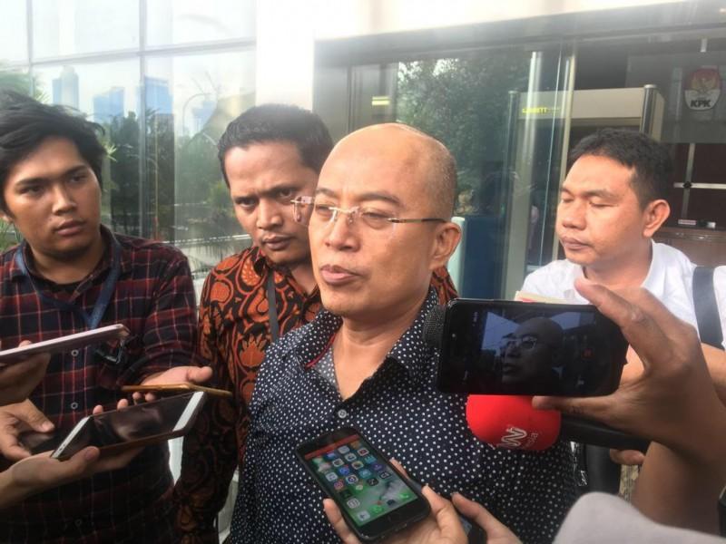 Wakil Bupati Bengkulu Selatan, Gusnan Mulyadi, selesai diperiksa KPK - Medcom.id/Juven Martua Sitompul.