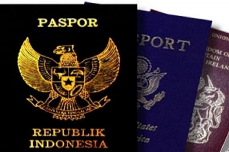 Ilustrasi paspor. Antara
