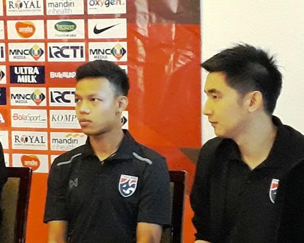 Kapten Thailand U-23 Suriya Singmui (kiri)-Medcom.id/Patrick