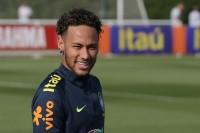 Neymar Tegaskan Sang Ayah tidak Ikut Campur soal Masa Depannya