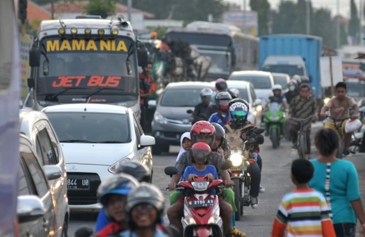 Truk Dibatasi di Tol Jakarta-Cikampek Mulai H-8 Idulfitri