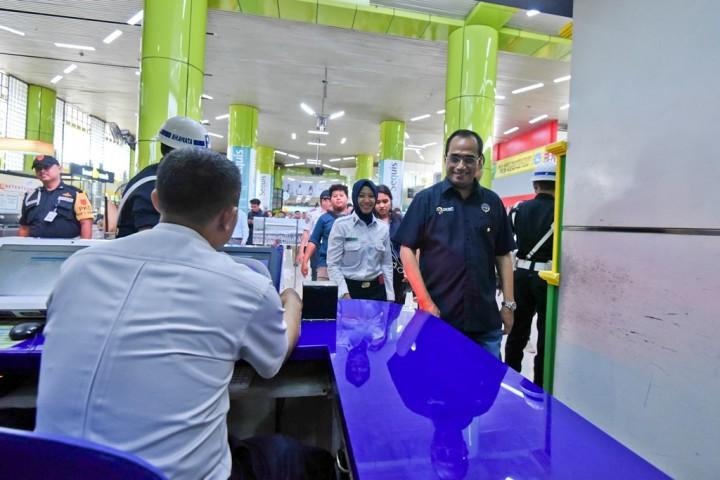 Menhub Pastikan Tiket Pesawat Jakarta-Surabaya Maksimal Rp1,3 Juta