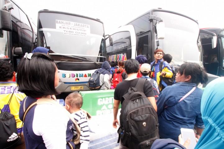 Mekanisme Pasar Lambungkan Harga Tiket Bus Mudik