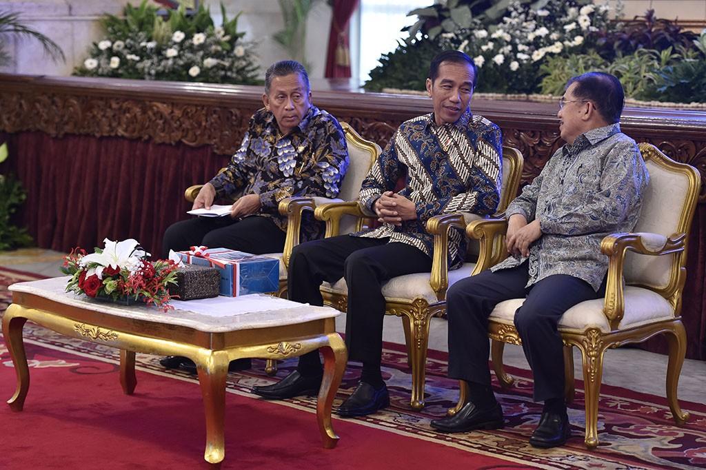 Jokowi Terima Laporan Pemeriksaan Keuangan Pemerintah 2017