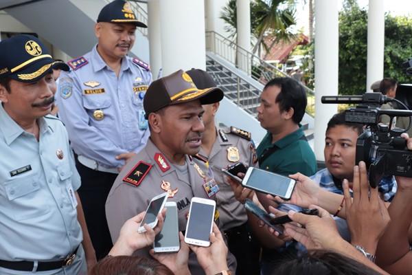 Wakapolda Sulut Brigjen Johni Asadoma saat diwawancarai usai apel gelar pasukan di Mapolda Sulut, Manado, Rabu, 6 Juni 2018.
