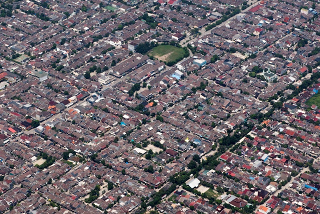 Perumahan padat di Tangerang. Antara Foto/Agung Rajasa