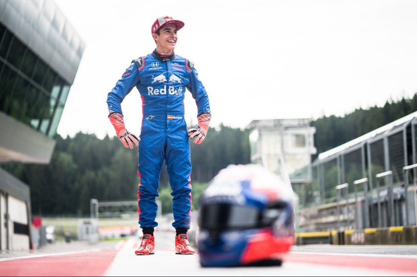 Ekspresi Marc Marquez yang mengaku tak sabar mengendarai mobil F1 (Foto:@marcmarquez93)