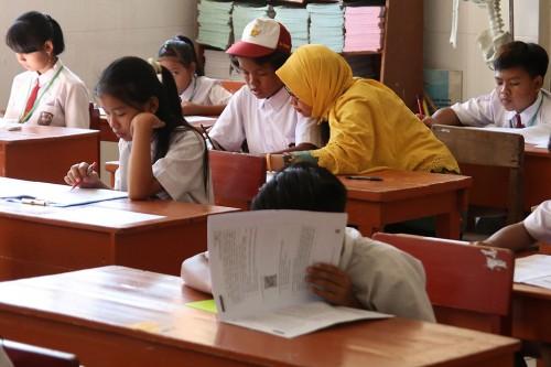 Suasana Ujian Sekolah Berstandar Nasional (USBN) SD di SD 05