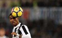 Juventus Permanenkan Kontrak Douglas Costa