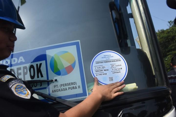 Sebelum Mudik Perhatikan Stiker Uji Kelayakan di Bus