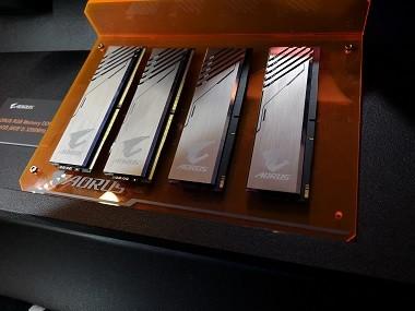 AORUS RGB Memory DDR4-3200MHz 16GB.