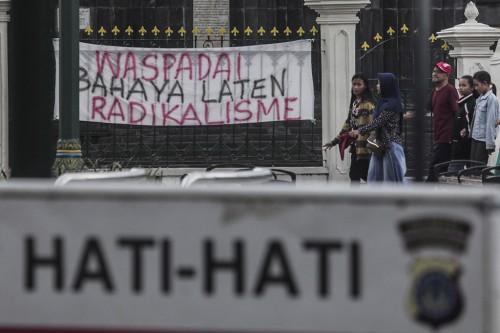 Warga serukan penolakan terhadap radikalisme. Foto: Antara/