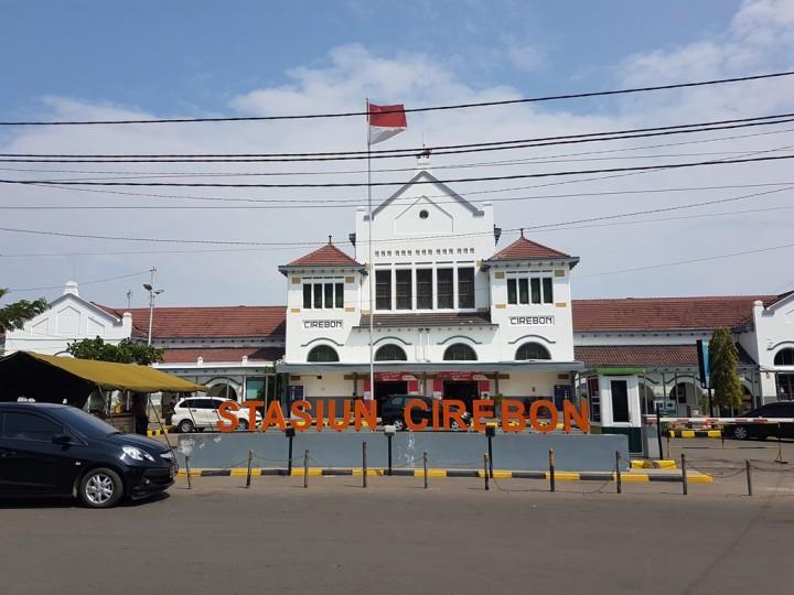 Stasiun Cirebon Mulai Ramai