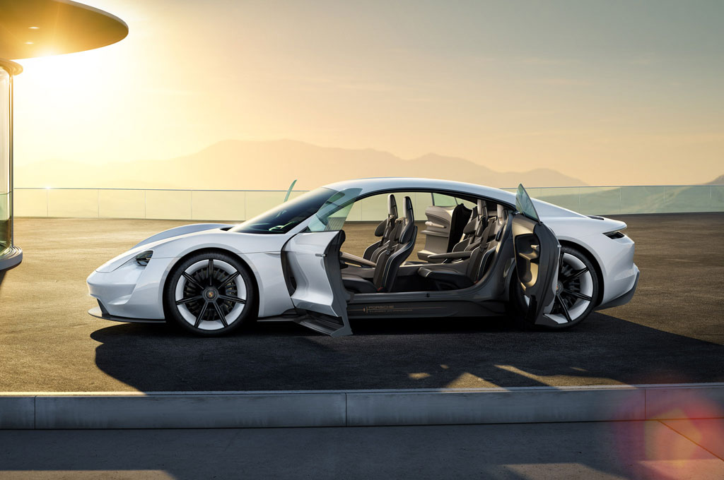 Mobil listrik perdana Porsche akan diberi nama Taycan. Porsche