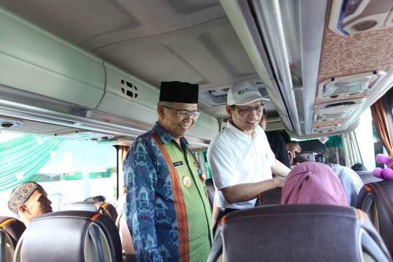 Pejabat Sementara (Pjs) Wali Kota Tangerang M. Yusuf melepas rombongan mudik bersama yang diinisiasi oleh BPJS Ketenagakerjaan