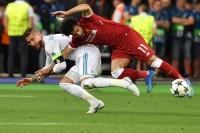 Salah Hanya Bisa Menertawakan Komentar Sergio Ramos