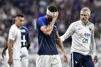 Beradu Kepala, Giroud dan Miazga Alami Pendarahan Hebat