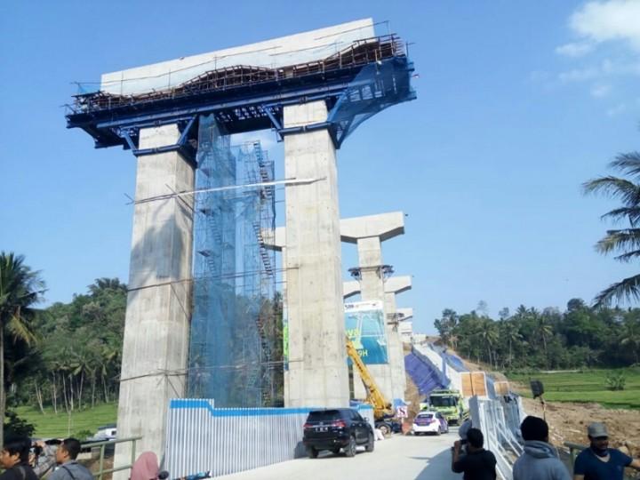 Jalur di Jembatan Kali Kenteng Aman Dilalui