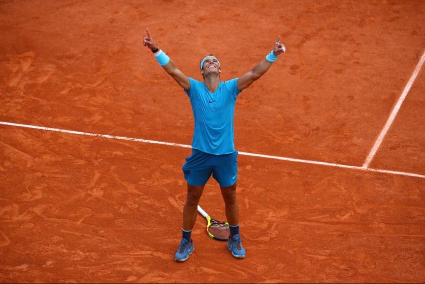 Rafael Nadal merayakan kemenangan French Open 2018 (Foto: Roland-Garros)