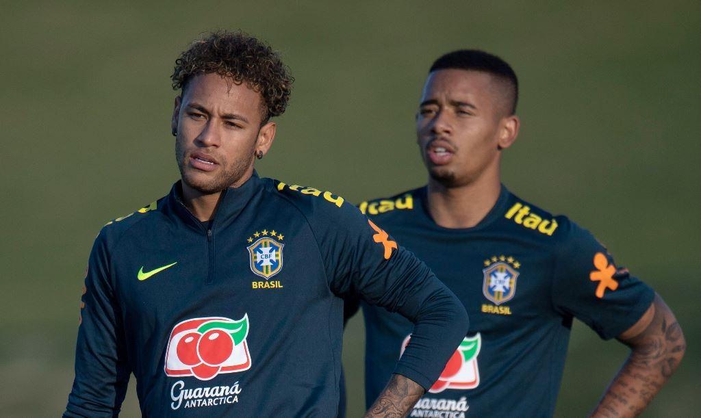 Neymar dan Gabriel Jesus. (Foto: AFP/Mauro Pimentel)