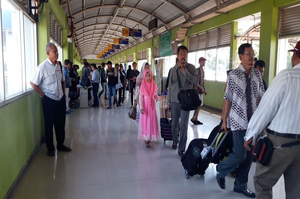 Suasana di Terminal Purabaya Surabaya saat pemudik datang, Senin, 11 Juni 2018, Medcom.id - Hadi
