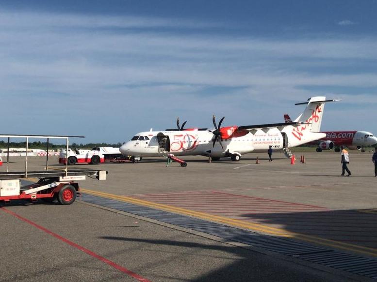Pesawat Wings Air bernomor IW 1293 yang sempat tertahan karena candaan bom. Medcom.id/Alex Rajes