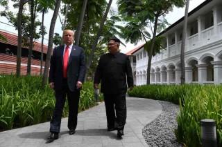 Trump Minta Fotografer Buat Dirinya dan Kim Terlihat Tampan