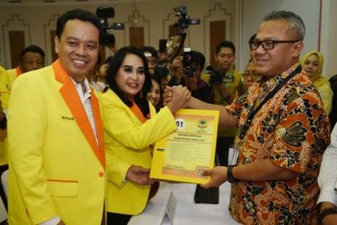 Sekjen Partai Berkarya Badaruddin Picunang (kiri). Foto: