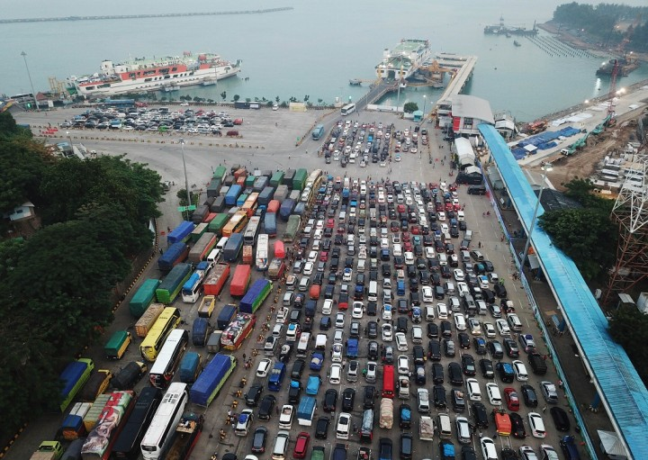 Puncak Mudik di Pelabuhan Merak Diprediksi Malam Nanti