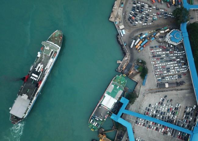 Puncak Arus Mudik di Pelabuhan Merak Diprediksi Malam Ini