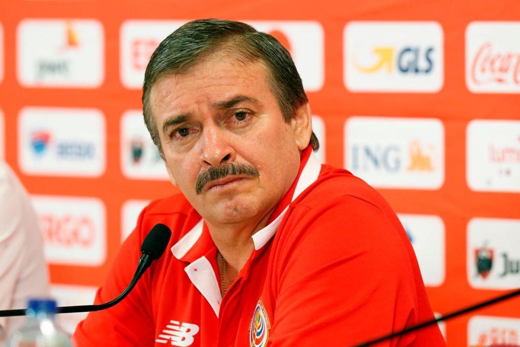 Oscar Ramirez, pelatih Kosta Rika. (Foto:  AFP PHOTO / BELGA / NICOLAS MAETERLINCK)