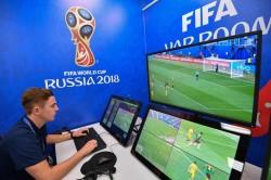 Plus Minus VAR di Piala Dunia dari Kacamata Wasit