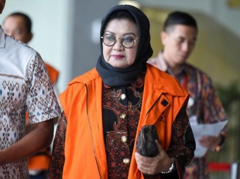 Plt Bupati Subang Imas Aryumningsih berjalan keluar seusai