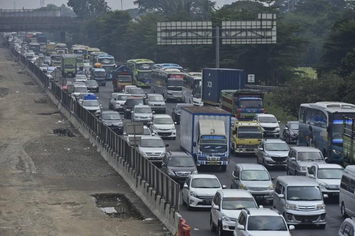 Kemenhub Ungkap Alasan Macet di Tol Jakarta-Cikampek