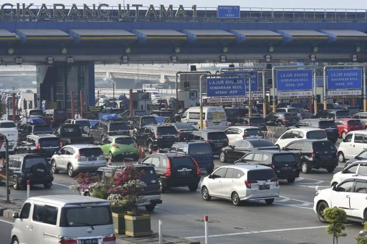 Kendaraan yang Melalui Gerbang Tol Cikarut pada H-3 Meningkat 675 Persen