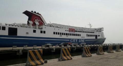 Kapal Ro-Ro yang akan mengantar pemudik di Pelabuhan Tanjung