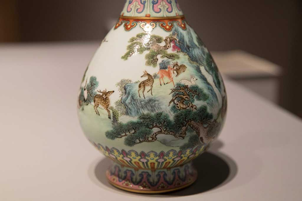 Vas Antik Kaisar Tiongkok Ini Laku Rp266 Miliar