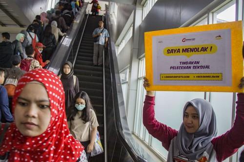 Kampanye anti kekerasan seksual di stasiun Tanah Abang, jakarta,