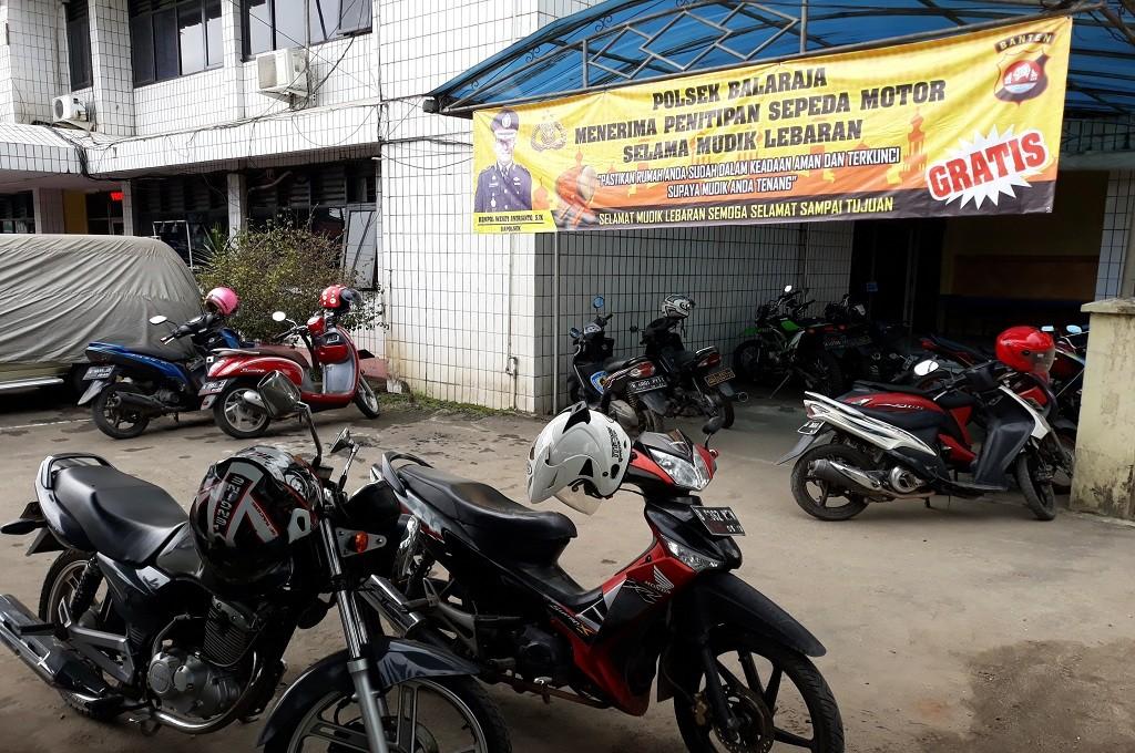 Polsek Balaraja menerima penitipan sepeda motor selama mudik Lebaran 2018, Medcom.id - Hendrik