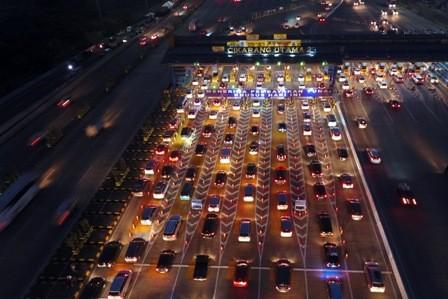 Volume Kendaraan di Tol Jakarta-Cikampek Menurun