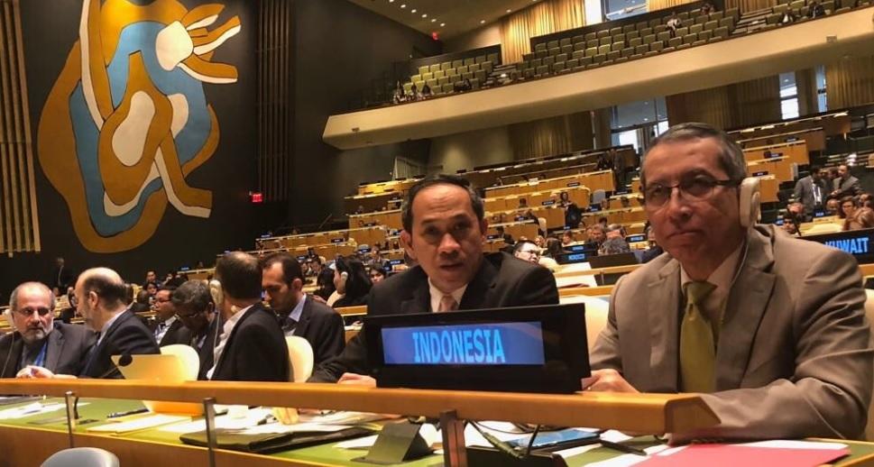 Dubes RI untuk PBB Dian Triansyah Djani (kanan). (Foto: Twitter @DTDjani)