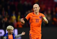 Pesepak Bola Arjen Robben Berlibur di Labuan Bajo